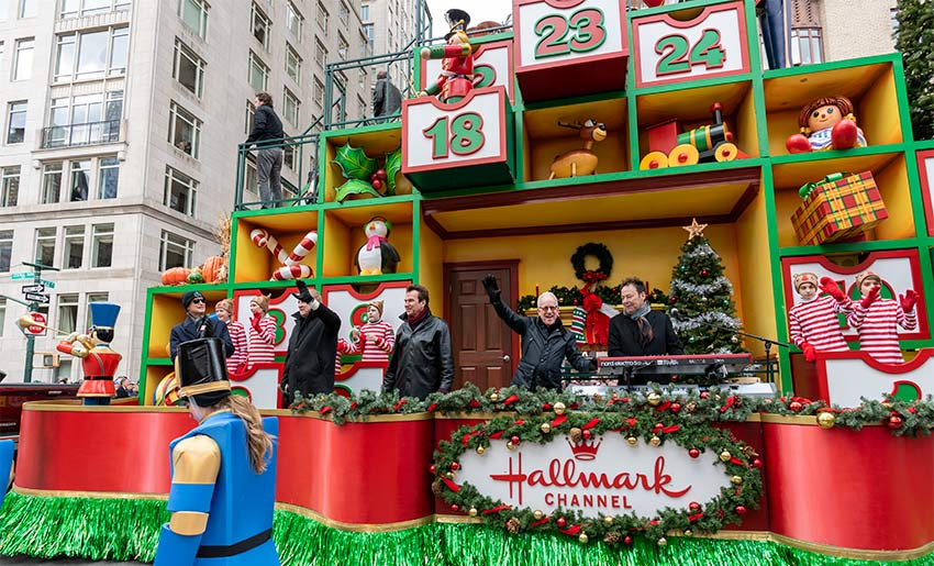 It's Chicago on the Hallmark Float at the 2019 Macy's Thanksgiving Day Parade